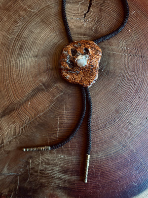 Load image into Gallery viewer, Vintage Wood & Agate Bolo Tie