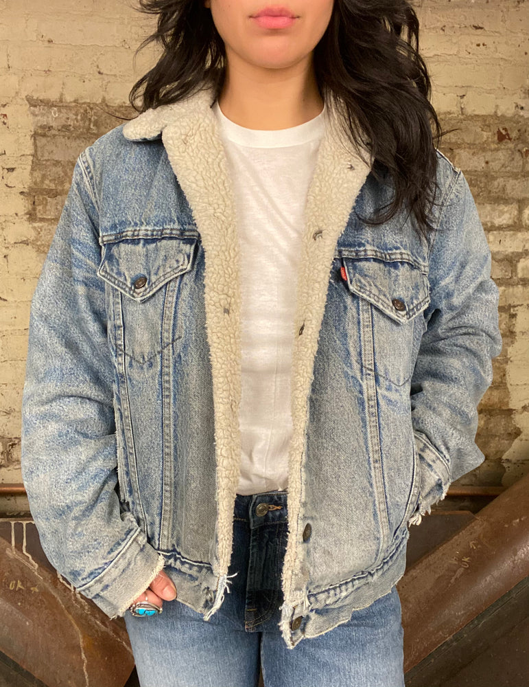 Load image into Gallery viewer, Vintage Sherpa Denim Jacket Sz L
