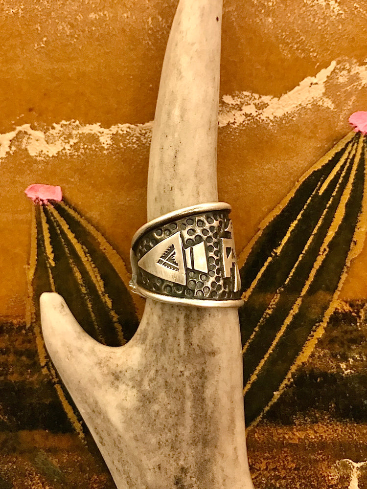 Load image into Gallery viewer, Sterling Silver Thunderbird Ring