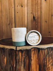 Eucalyptus & Santal Candle