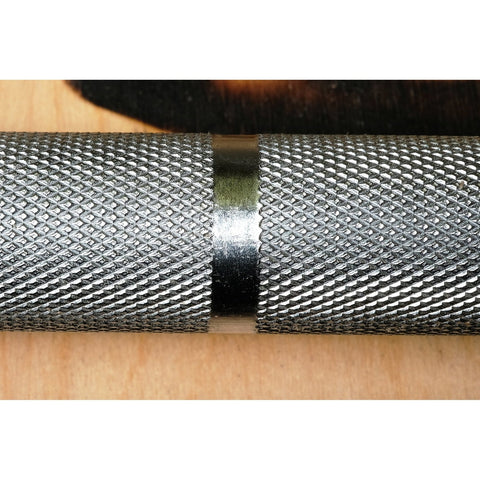 The knurl of the colorado power bar is deep but not sharp allowing good grip during any heavy lifting.