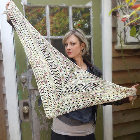 Bella Dean Shawl knit kit