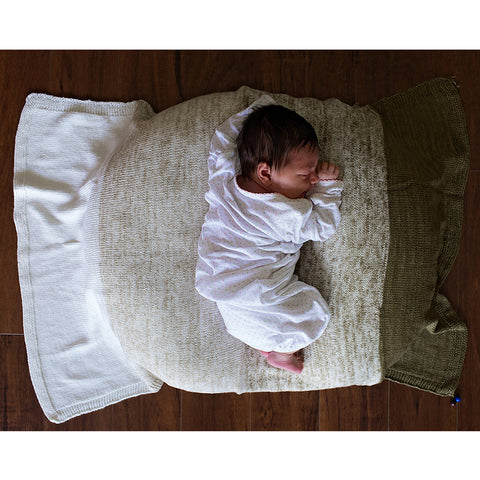 Baby Gradient Blanket {knit kit}