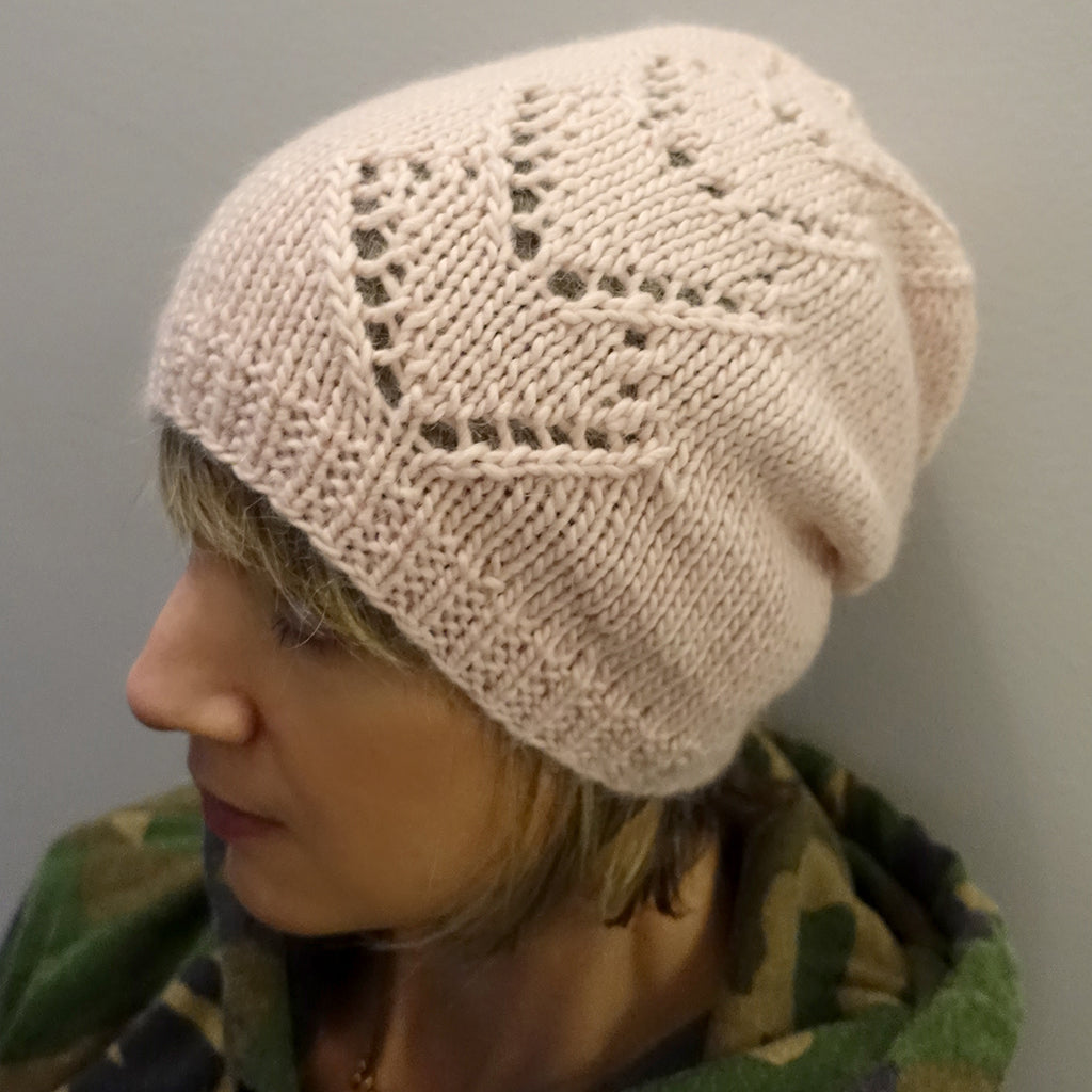 Heart hat {knitting pattern}