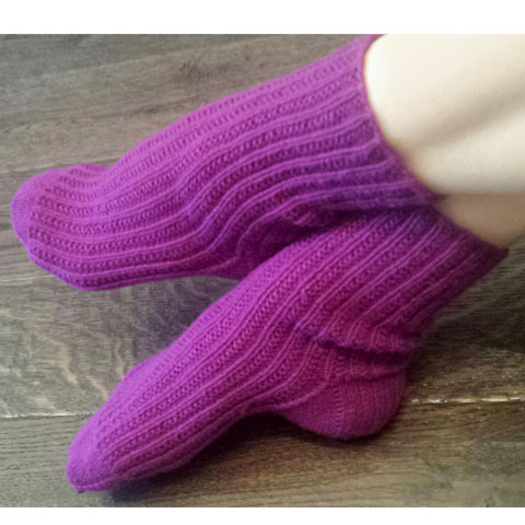 knitty gritty socks {knitting pattern}-knitting pattern-The Crafty Jackalope
