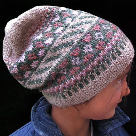 berry picking slouchy hat {knitting pattern}