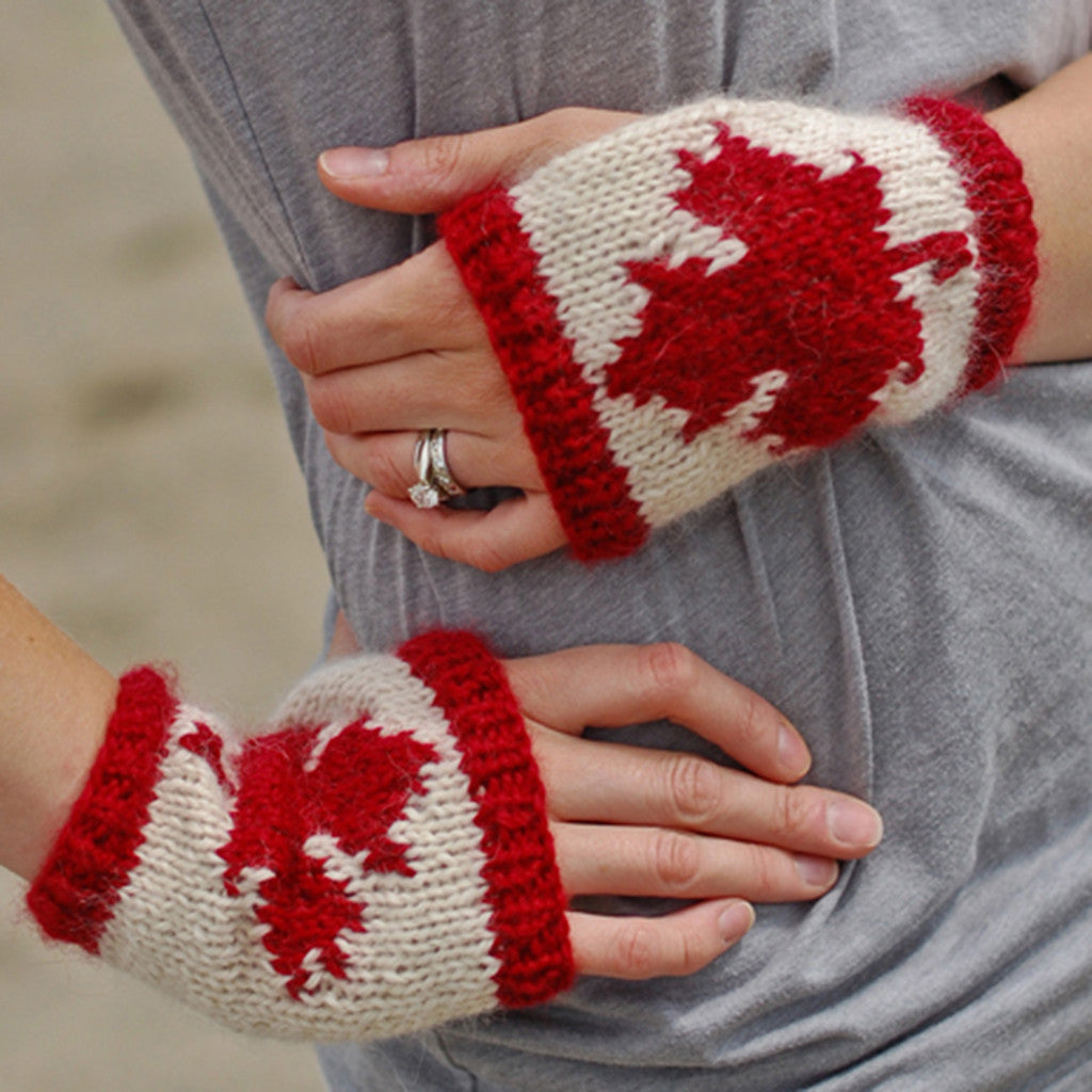 canadian fingerless gloves {knitting pattern} – The Crafty Jackalope