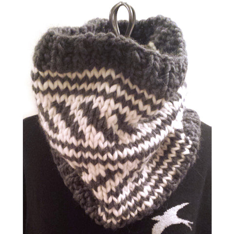 love wool colorwork cowl {knitting pattern}-knitting pattern-The Crafty Jackalope