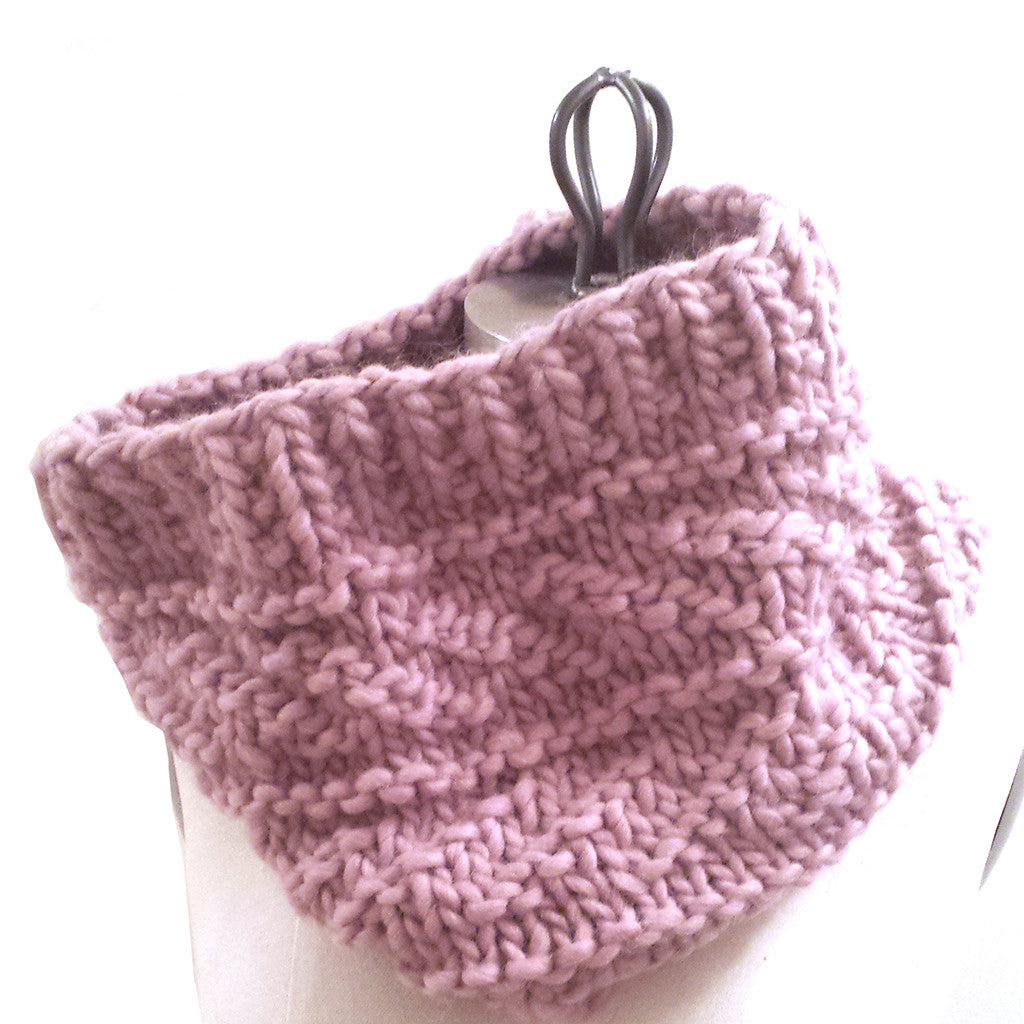love wool guernsey cowl {knitting pattern} – The Crafty Jackalope