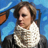supersonic crochet cowl {crochet pattern} - The Crafty Jackalope - 2