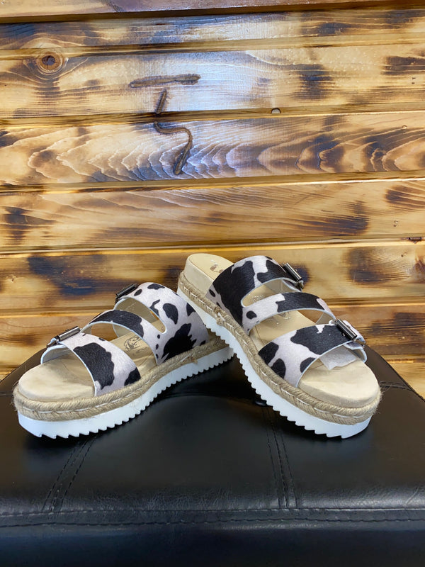 Very G Travel Sandal - Cowhide Print