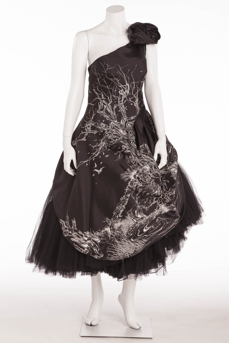 Original Alexander McQueen - New Black and White One Shoulder Dress with Tulle Bottom - IT 42