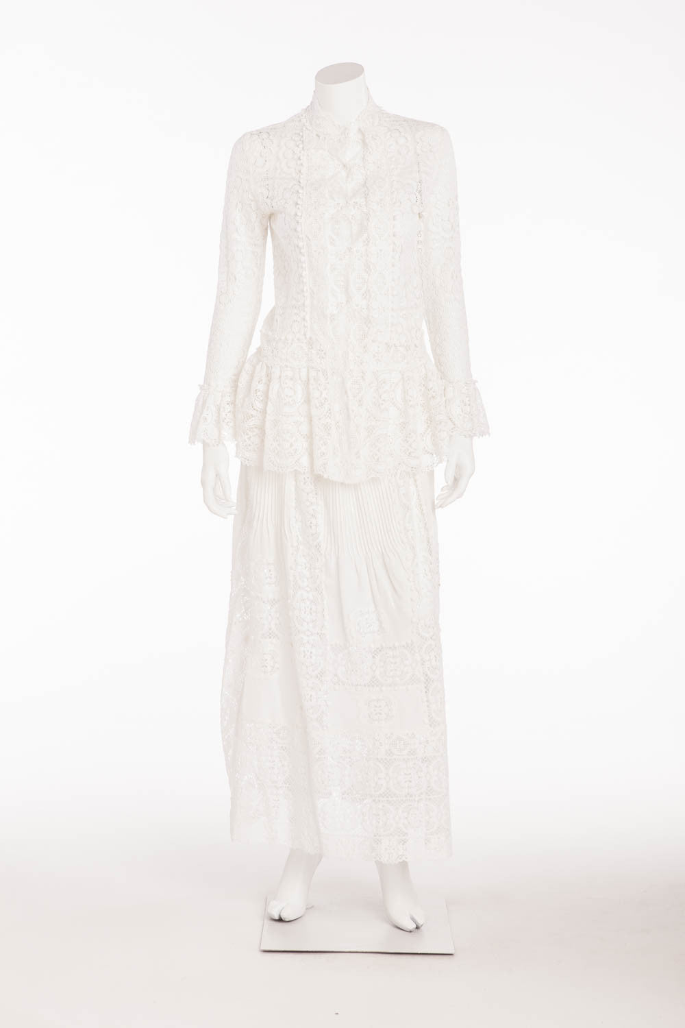 Oscar De La Renta - 2PC White Lace Long Sleeve Snap Button Top with Skirt - US 6