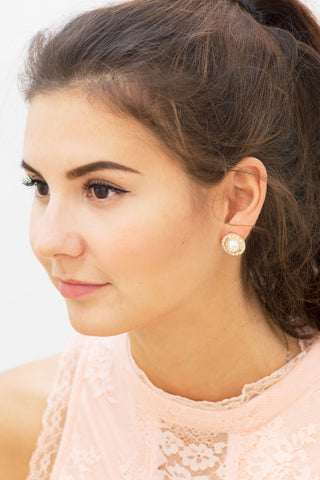 Framed Pearl Round Stud Earrings