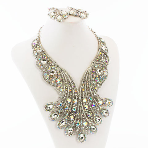 192bb341ded72 Carnival Beauty Statement Necklace Set