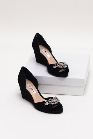 Emma Crystal Brooch Shoe in Black