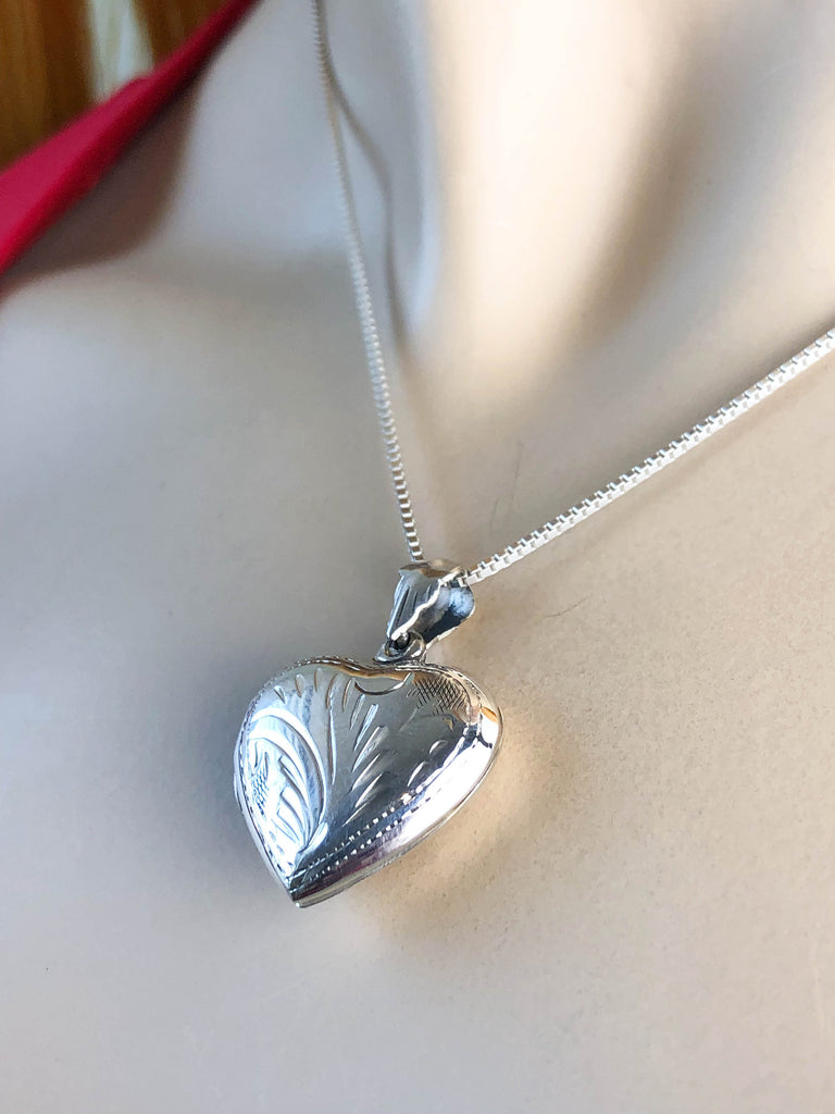 Victorian Heart Locket Necklace, Sterling Silver Etched Heart Locket Pendant, Heart Locket Necklace, Two Photo Locket Jewelry, Gift for Her