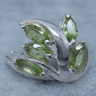 Size 6 Genuine Peridot Cluster Ring - Sterling Silver - P84