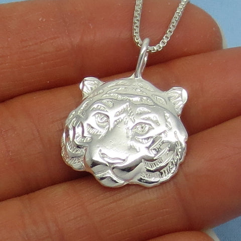 Sterling Silver Tiger Pendant Necklace -- p160470