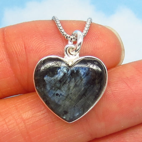 Small Natural Larvikite Heart Pendant Necklace - Sterling Silver - Black Moonstone from Norway - Minimalist - su190751