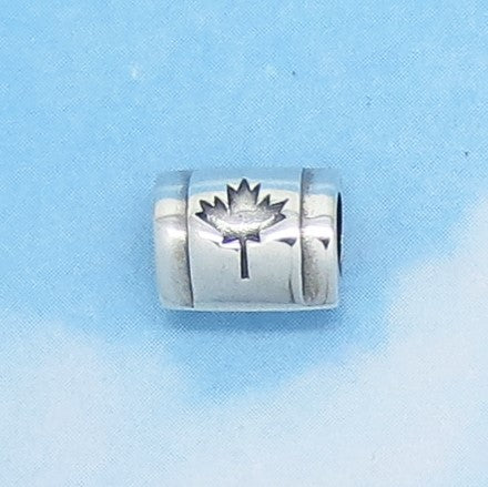 Maple Leaf 925 Sterling Silver Threaded European Charm Bead - Fits Pandora Bracelets - Euro Charm - Canada - Woodland - 280606mpl