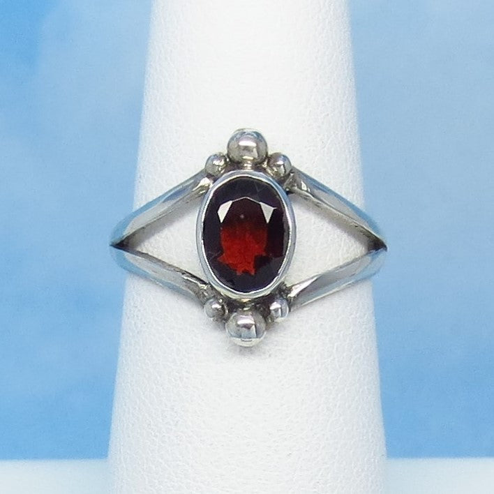 Size 6-1/2 - 1.2ctw Natural Garnet Ring - Sterling Silver - Handmade in Bali - Genuine Garnet - 8 x 6mm Oval
