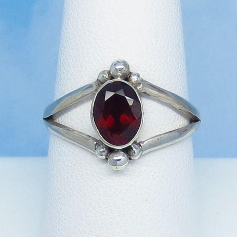 Size 8-1/2 - 1.2ctw Natural Garnet Ring - Sterling Silver - Handmade in Bali - Genuine Garnet - 8 x 6mm Oval