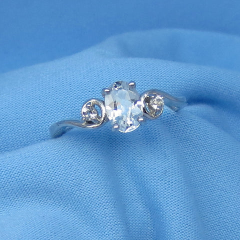 Dainty Genuine Natural White Topaz Ring - Dainty - 1.0ct - Sterling Silver - April Birthstone - r16954
