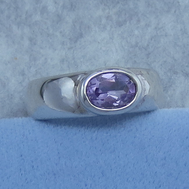 Size 9 Genuine Amethyst Ring - Sterling Silver - Brazilian Amethyst - Oval - East-West - Band Ring - 940721