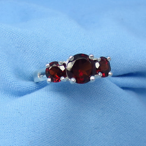 2.8ctw Size 5 1/4 Genuine Garnet 3 Stone Band Ring Sterling Silver R930970