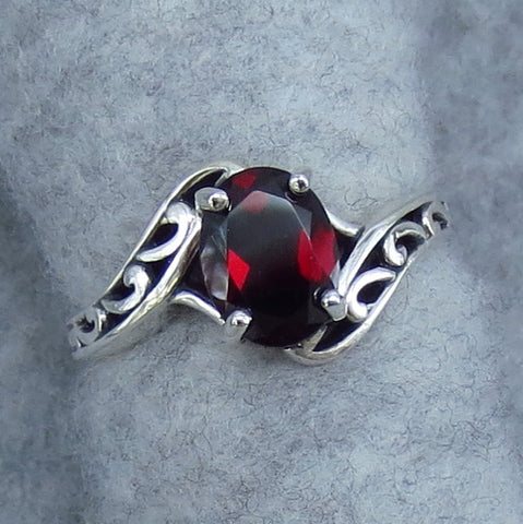8mm x 6mm Natural Garnet Bypass Ring - Sterling Silver - Size 5 - P831