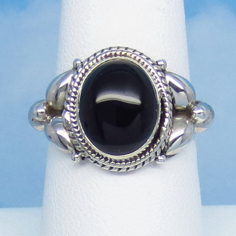 Size 8 Natural Genuine Black Onyx Ring - Sterling Silver - 10 x 9mm Oval - Vintage Victorian Antique Filigree Design - SA161301