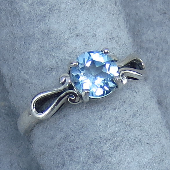 7mm Genuine Sky Blue Topaz Ring - Solitaire - Round Cut - Sterling Silver - Size 6, 7, 8 or 9 - P4f3
