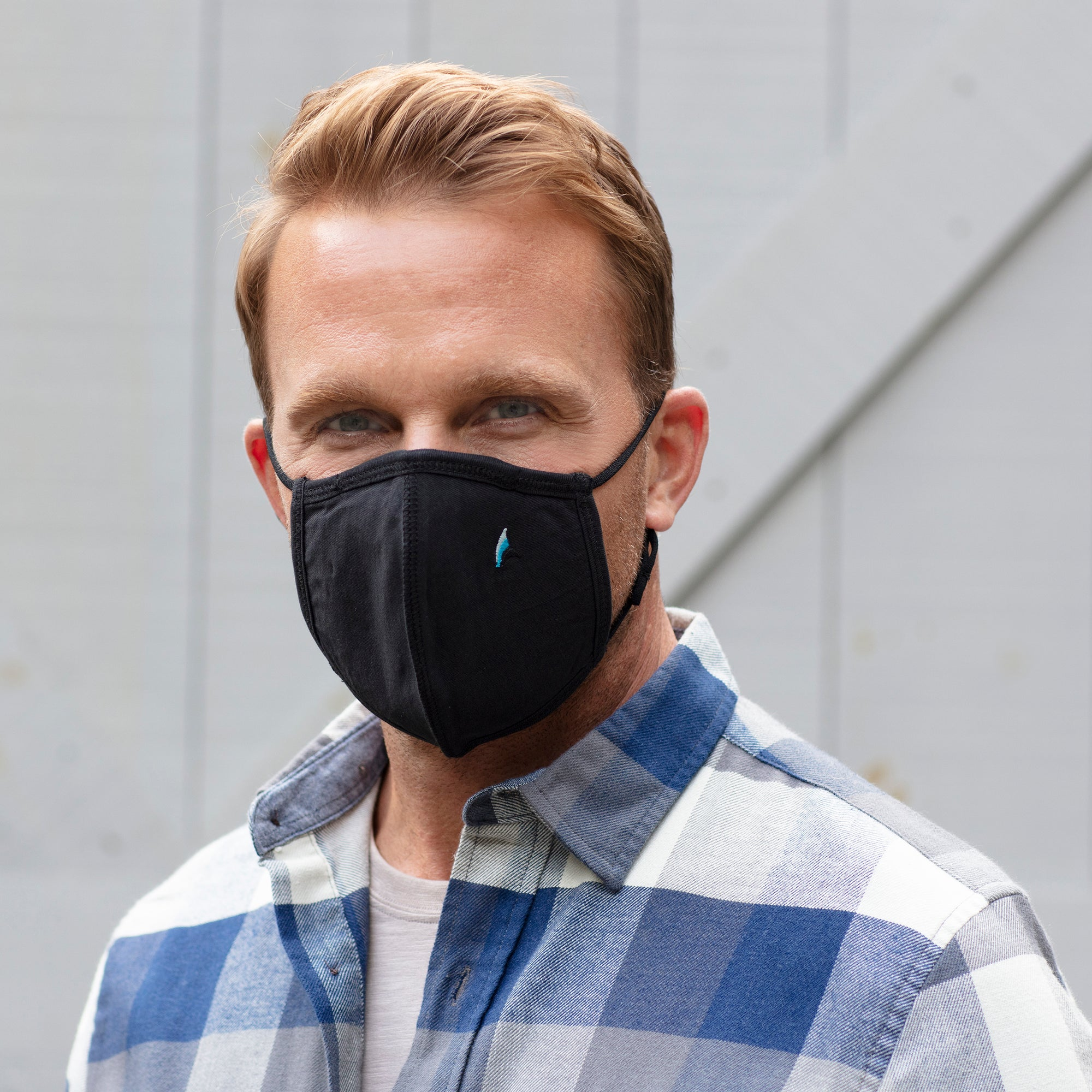 Puretec Cool™ Nanofiber  Filter Mask in Navy Blazer)