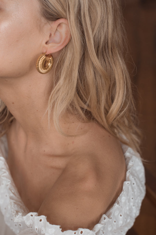 Yanni Hoops - Gold - Style Addict