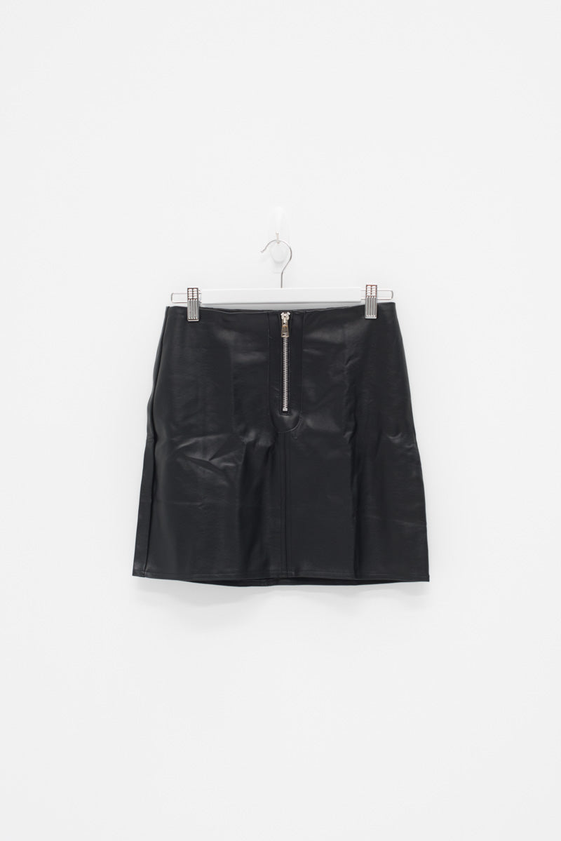 FAUX LEATHER MINI SKIRT / SAMPLE
