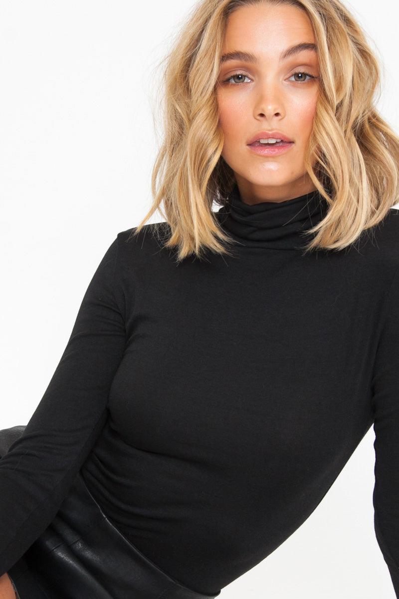 Turtleneck - Black