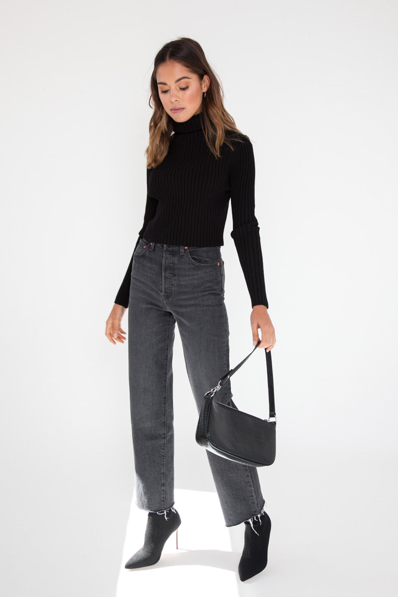 Cropped Knit Jumper - Black