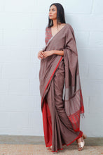 Load image into Gallery viewer, Urban Drape Podwer Bronze Saree