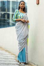 Load image into Gallery viewer, Urban Drape Light Up Saree