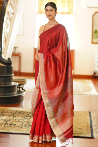 Urban Drape Eyes In The Heat Saree