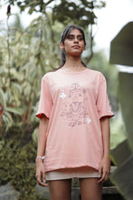 Load image into Gallery viewer, Queen of Taprobana Dusty pink T-shirt (unisex)