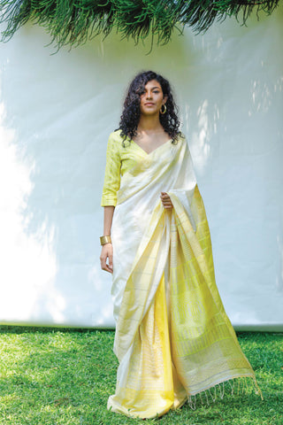 Urban Drape Ever Blooming Saree