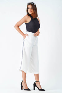 White fruitify crop pant