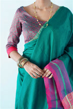 Load image into Gallery viewer, Urban Drape Amaranth Buds Hand Woven Saree