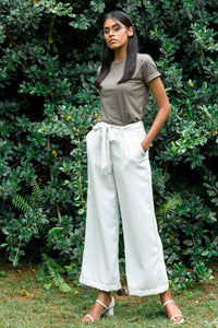 Off-Duty White Pant