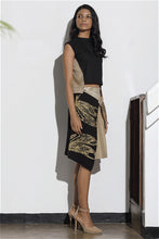Load image into Gallery viewer, Dragonfly Printed Pleated Wrap Skirt - Black