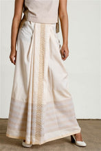 Load image into Gallery viewer, Hand woven Beige  Contrast Textured Sarong