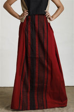 Load image into Gallery viewer, Hand Woven Maroon Contrast Textured Sarong
