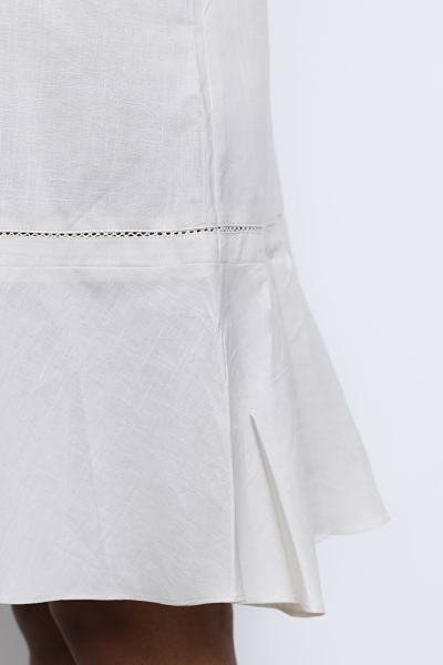 Linen ruffle dress with lace trims